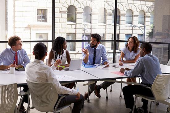 sales teams using weekly updates